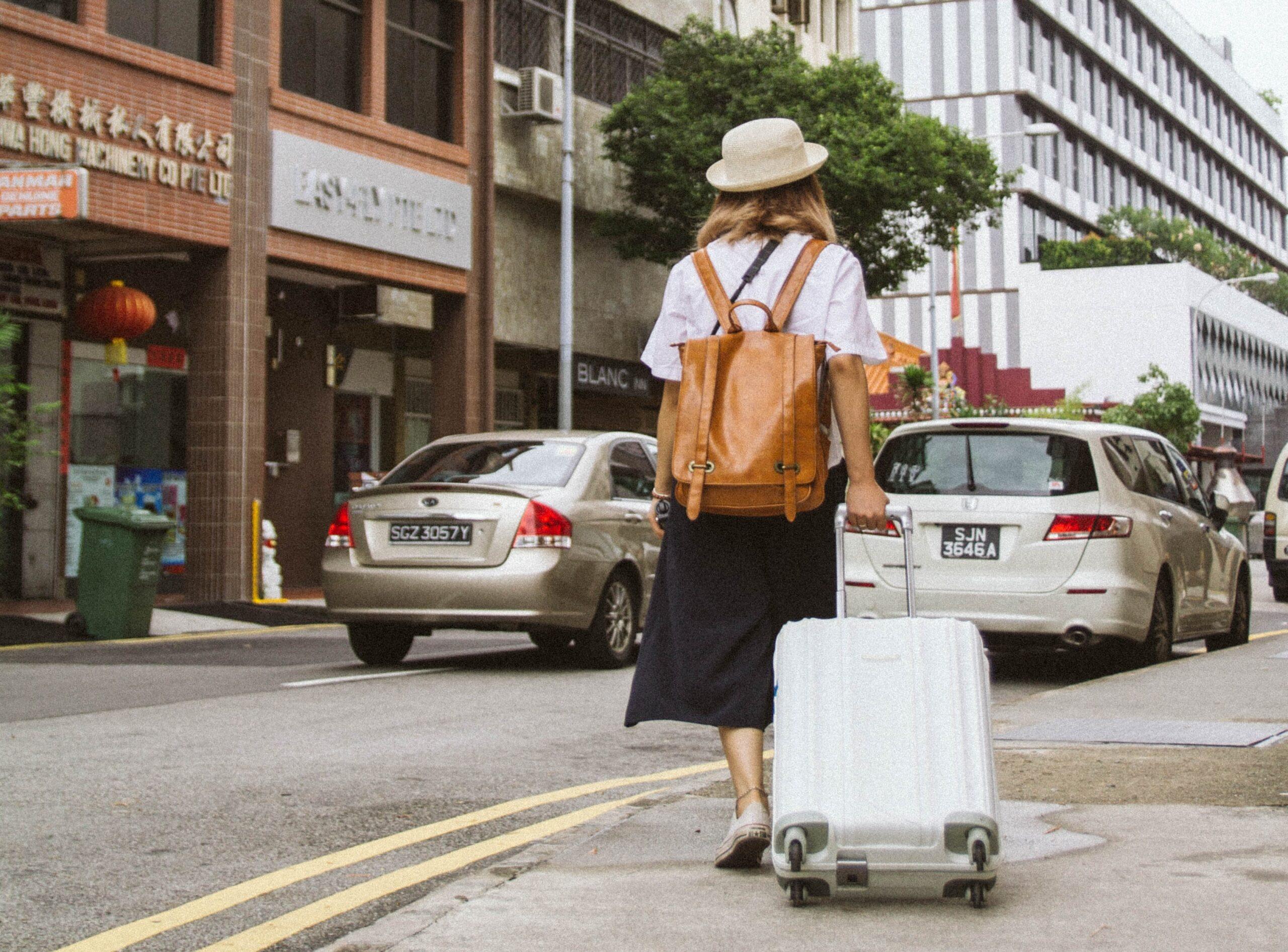 viajar con maleta de mano viajes low cost